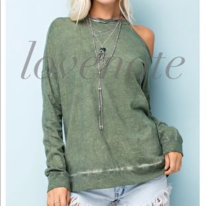 lovenote Tops - Oil Washed Cotton Long Sleeve Cold Shoulder Top